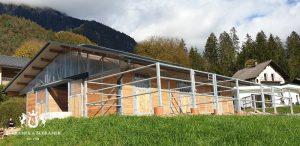 Stall 3 Boxen, Sattelkammer, Futterlager, Geräteraum und Paddocks. Kärnten, Österreich