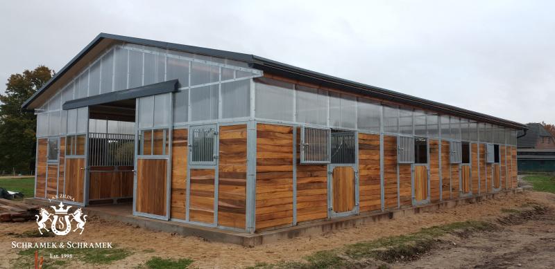 Stall 7 Boxen, Sattelkammer, 2 x Lagerfläche, mit Erhöhung des Stalles, Itzehoe, Deutschland